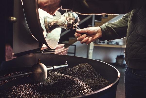 Tận hưởng hương vị café tuyệt hảo từ máy rang cà phê hiện đại